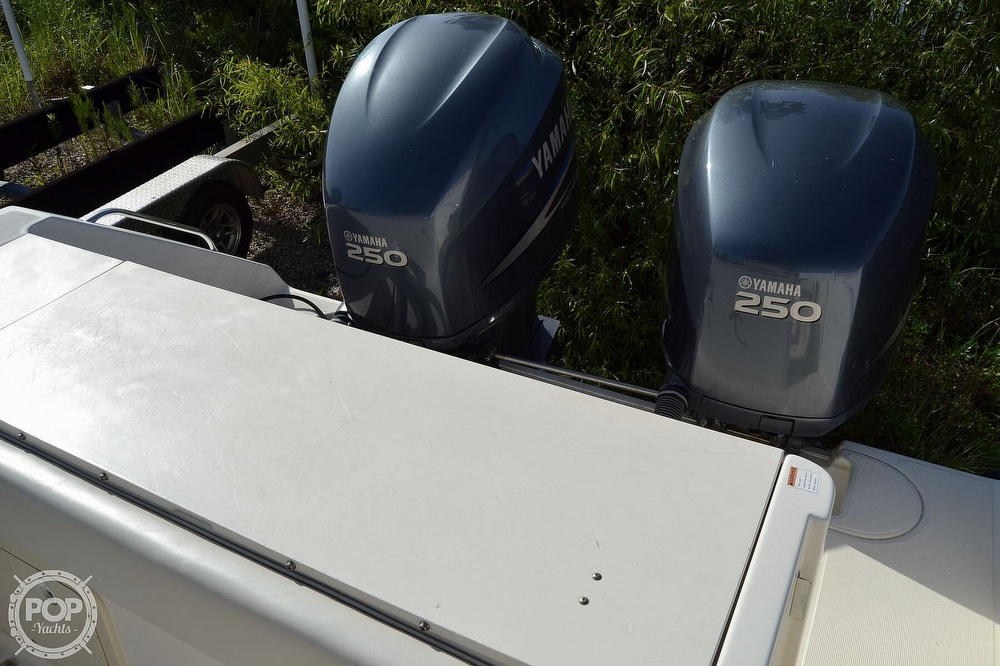 2006 Pursuit boat for sale, model of the boat is 2870 CC & Image # 14 of 40