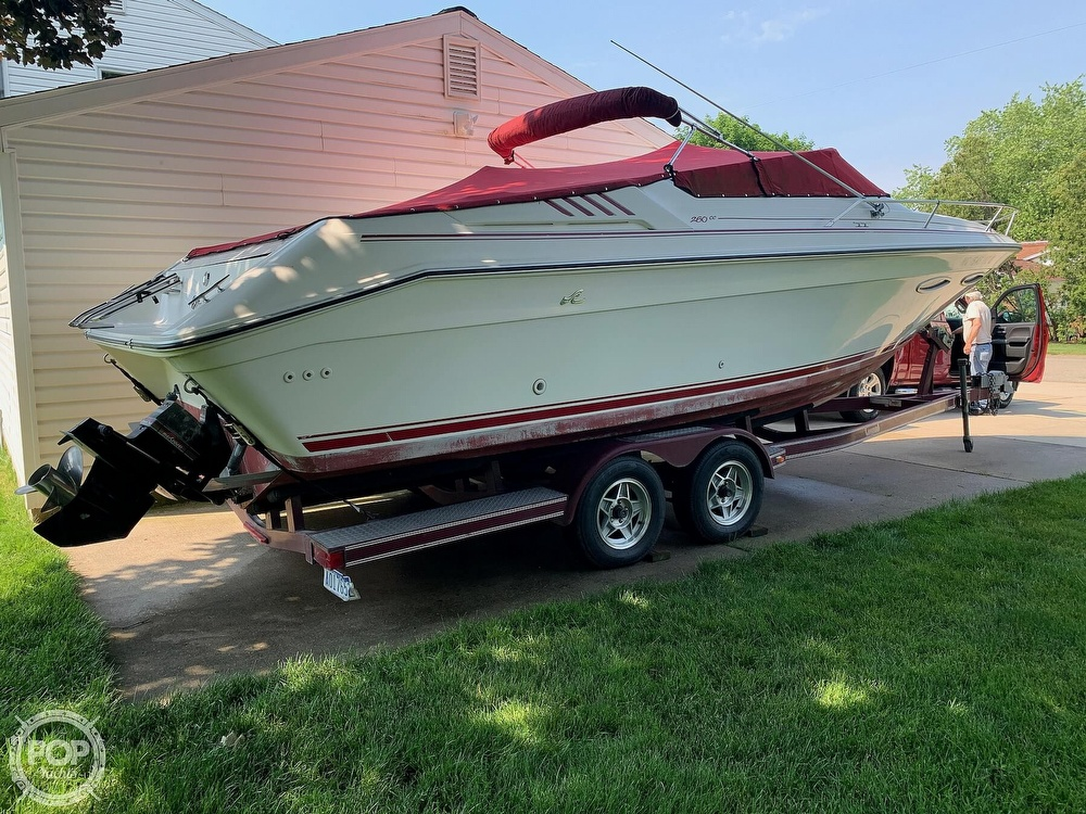 1989 Sea Ray boat for sale, model of the boat is 260 Cuddy Cabin & Image # 13 of 41