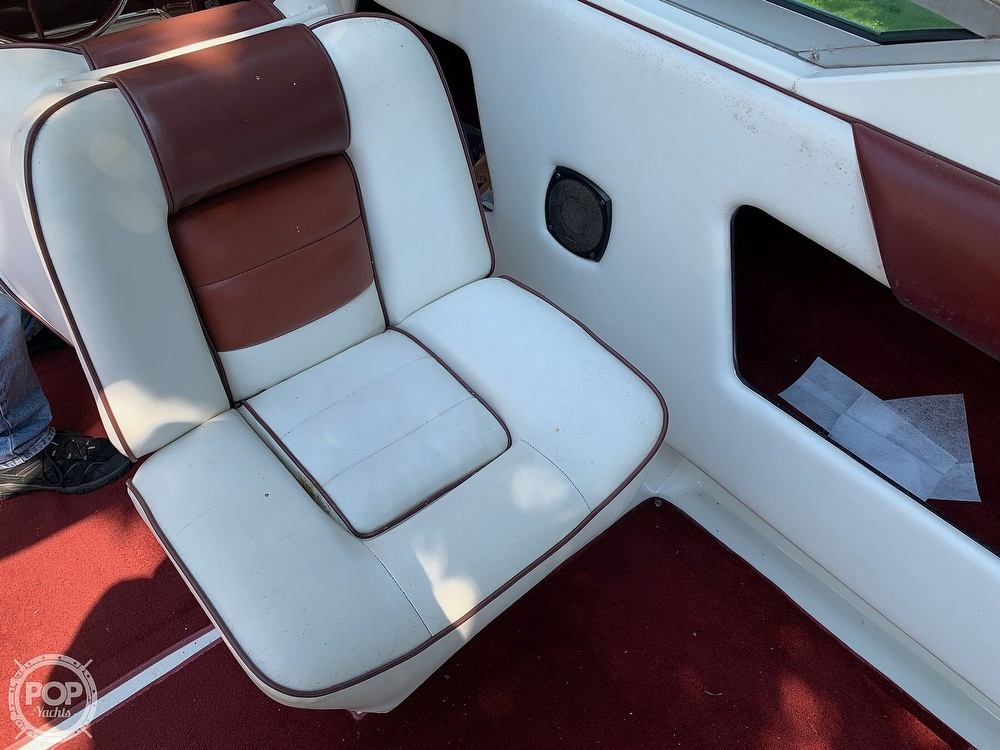 1989 Sea Ray boat for sale, model of the boat is 260 Cuddy Cabin & Image # 26 of 41