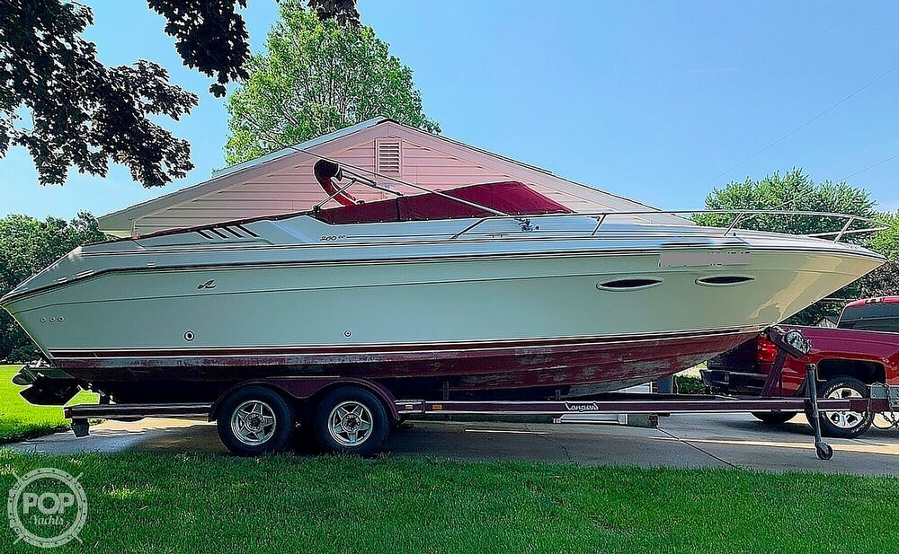 1989 SEA RAY 260 CUDDY CABIN