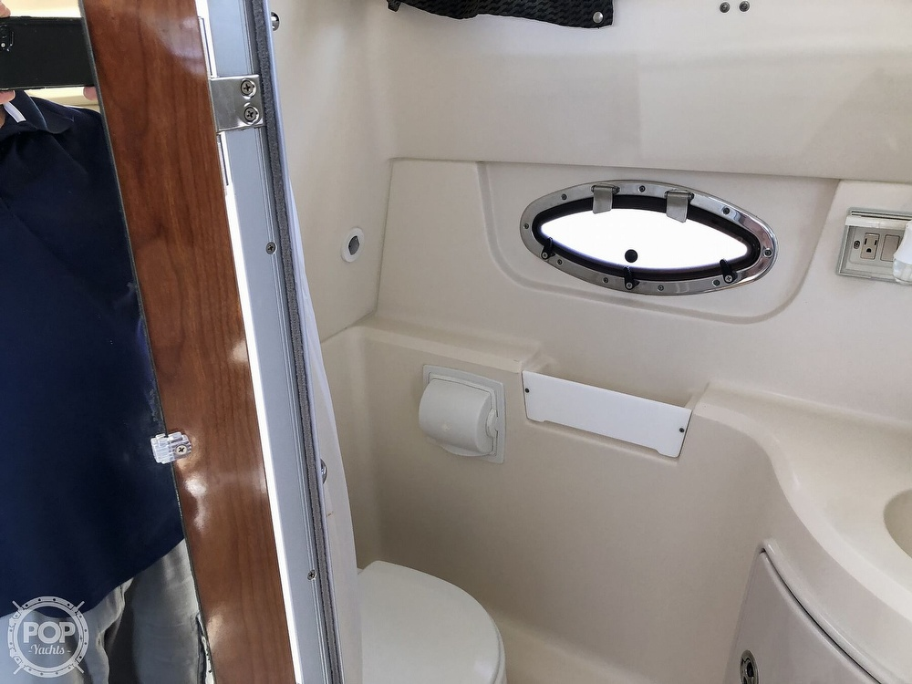 2008 Regal boat for sale, model of the boat is 2565 window express & Image # 17 of 40