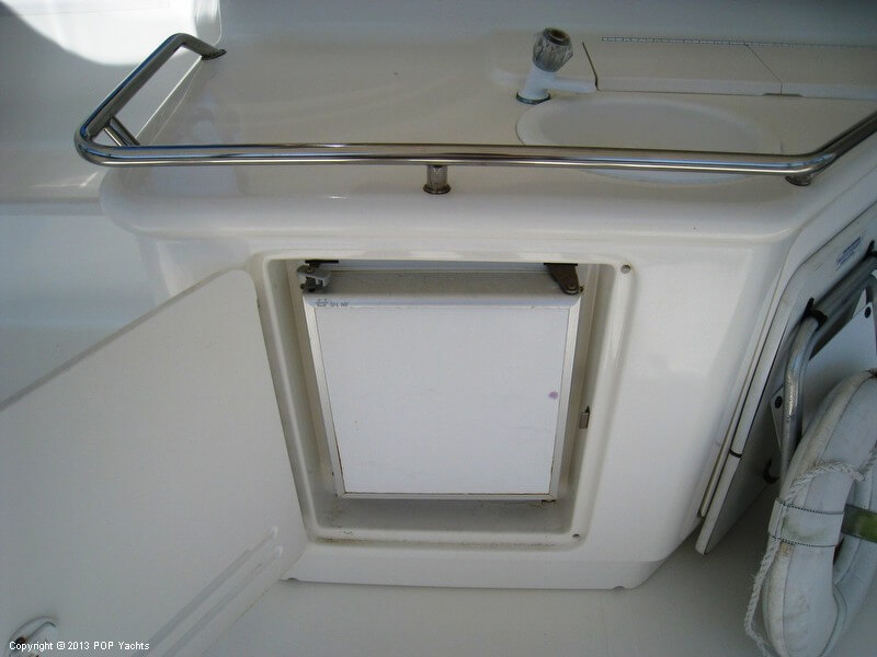 1998 Sea Ray 370 Aft Cabin - Photo #26