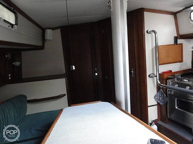 1982 U.S. Yacht boat for sale, model of the boat is 35 & Image # 8 of 13