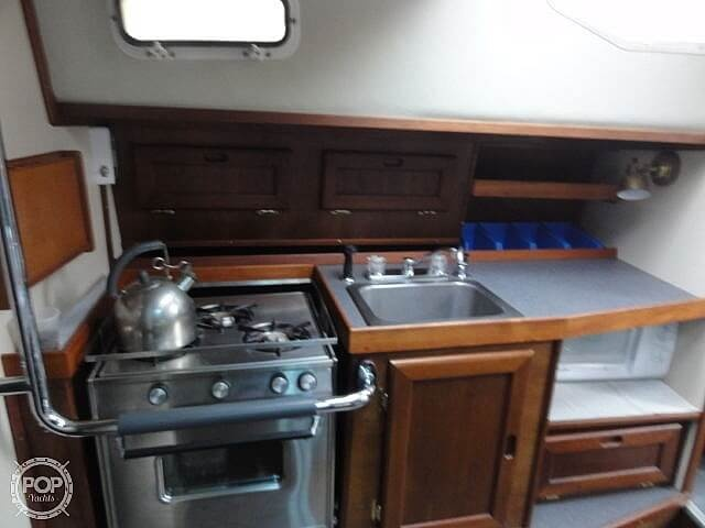 1982 U.S. Yacht boat for sale, model of the boat is 35 & Image # 9 of 13