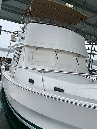 2001 Mainship 390 Trawler - image 2