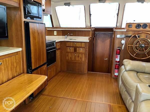 2001 Mainship 390 Trawler - image 26