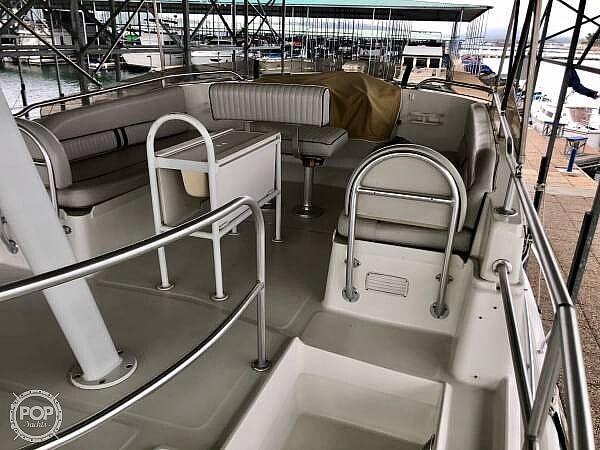 2001 Mainship 390 Trawler - image 12