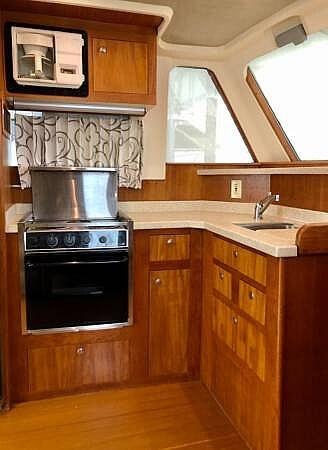 2001 Mainship 390 Trawler - image 18