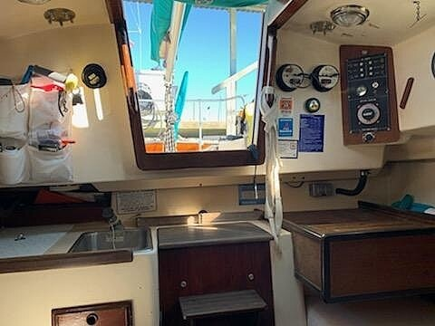 1980 Cape Dory boat for sale, model of the boat is 27 & Image # 24 of 40