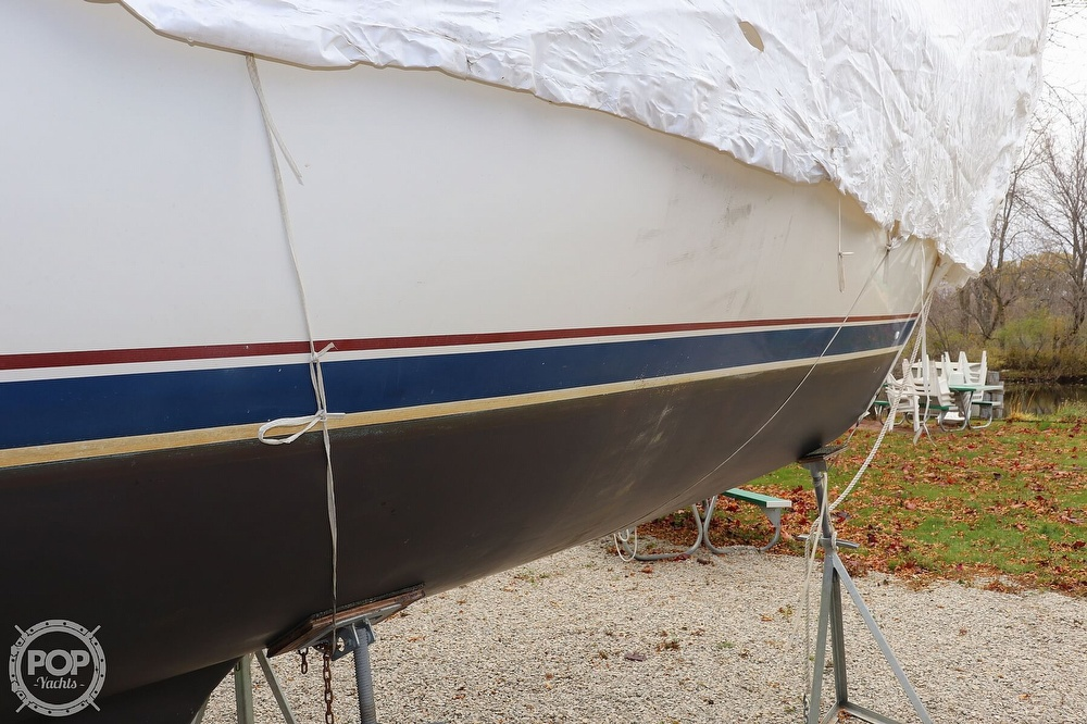 1989 Catalina Yachts boat for sale, model of the boat is 34 & Image # 30 of 40