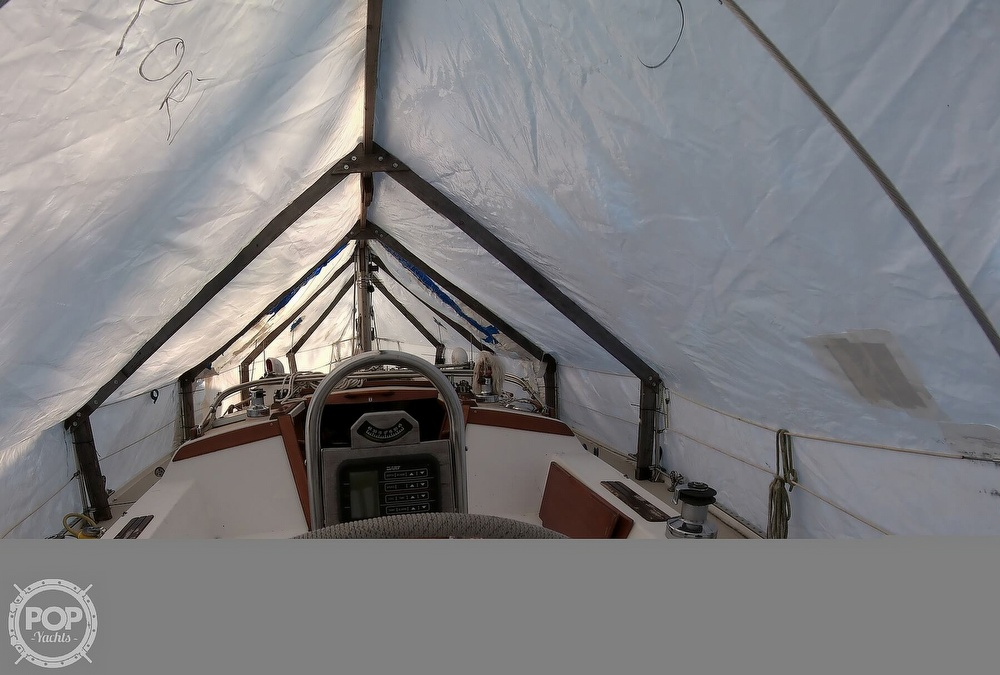 1989 Catalina Yachts boat for sale, model of the boat is 34 & Image # 34 of 40