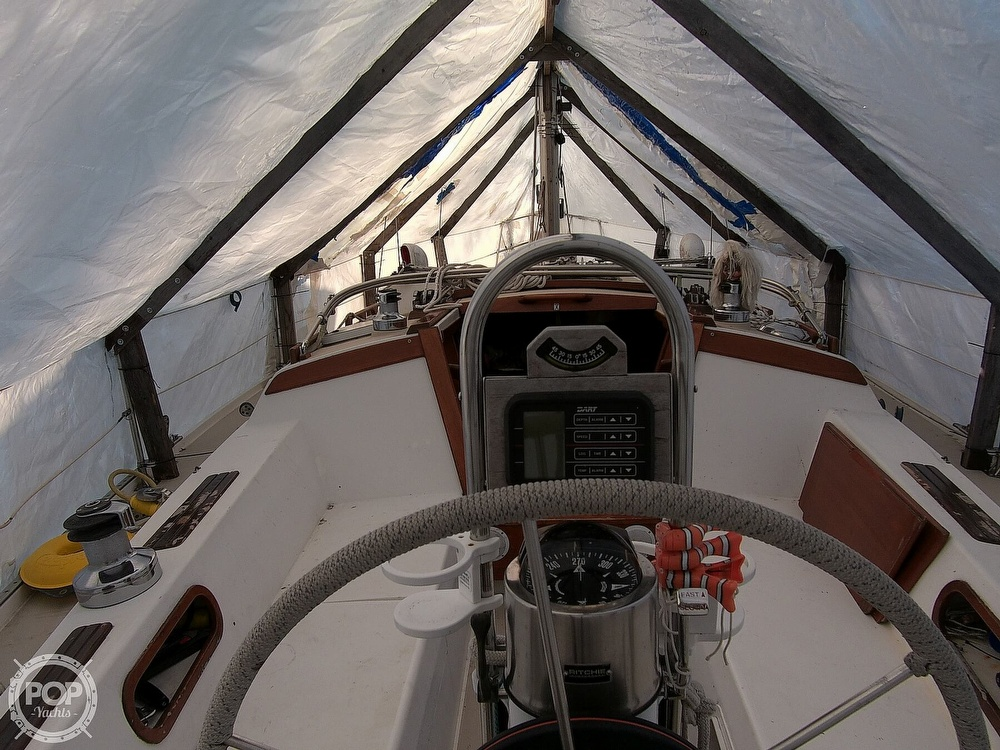 1989 Catalina Yachts boat for sale, model of the boat is 34 & Image # 38 of 40