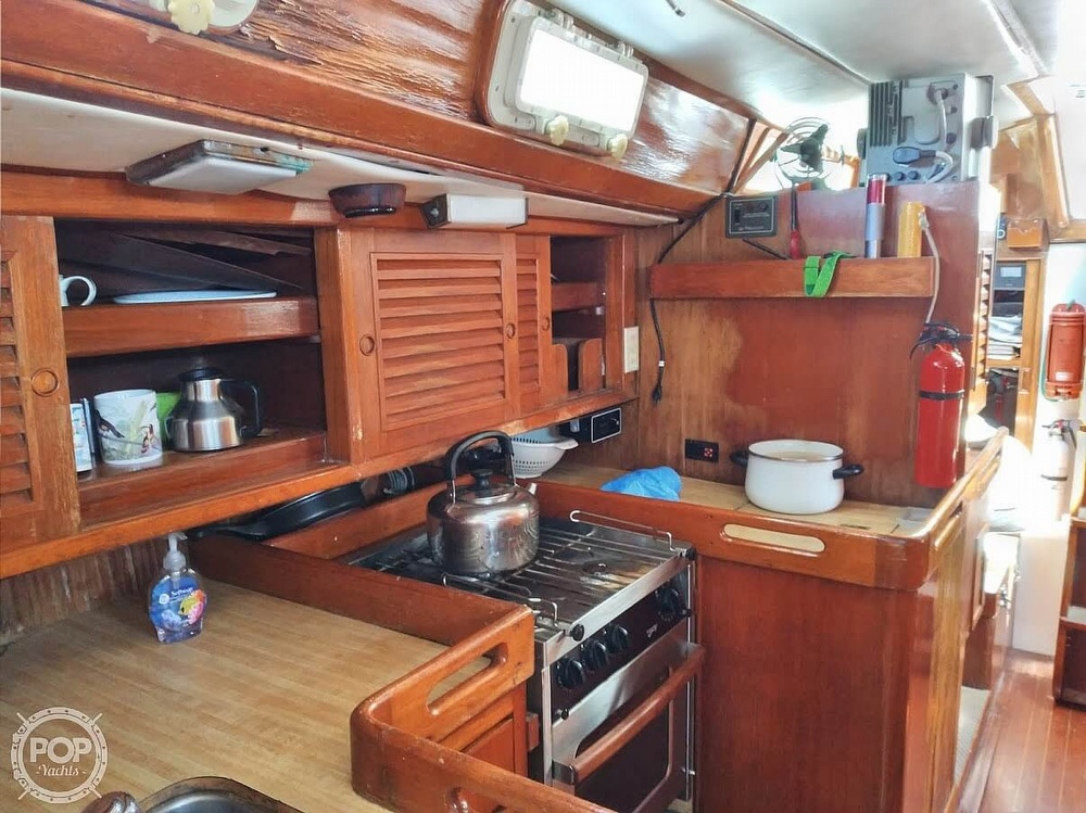 1981 Golden Wave boat for sale, model of the boat is 42 & Image # 37 of 40