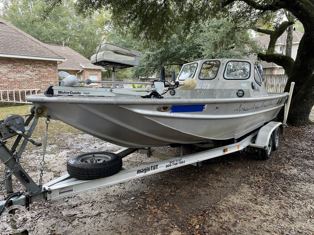 2000 Scullys boat for sale, model of the boat is 2072 MV1 & Image # 4 of 40