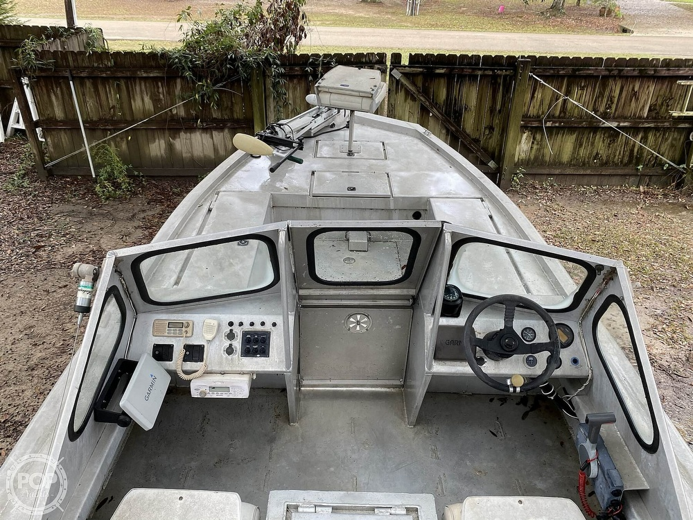2000 Scullys boat for sale, model of the boat is 2072 MV1 & Image # 12 of 40