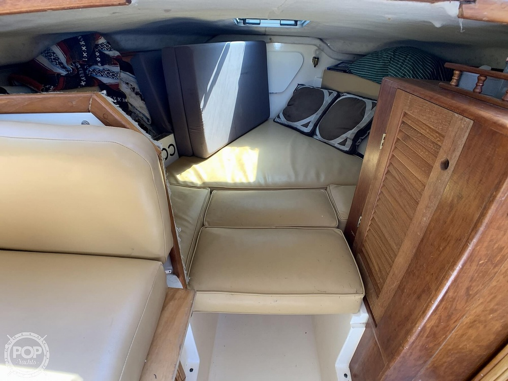 1980 Phoenix boat for sale, model of the boat is 29 & Image # 24 of 40