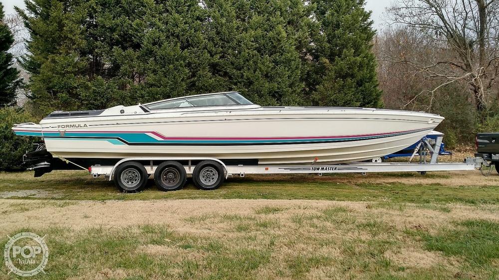 1993 Formula boat for sale, model of the boat is 357 SR1 & Image # 3 of 40
