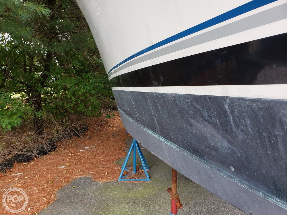 1988 Trojan boat for sale, model of the boat is 32 Sedan Flybridge & Image # 8 of 40