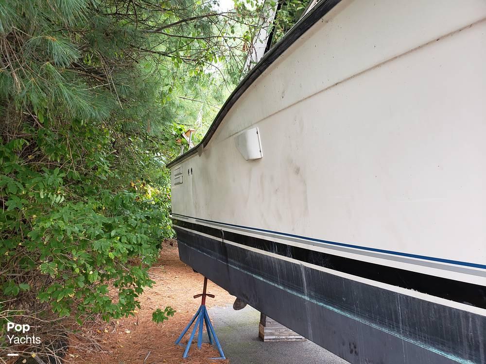 1988 Trojan boat for sale, model of the boat is 32 Sedan Flybridge & Image # 9 of 40