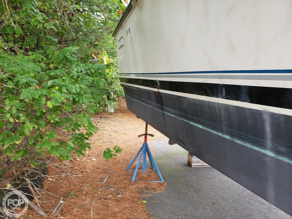1988 Trojan boat for sale, model of the boat is 32 Sedan Flybridge & Image # 13 of 40