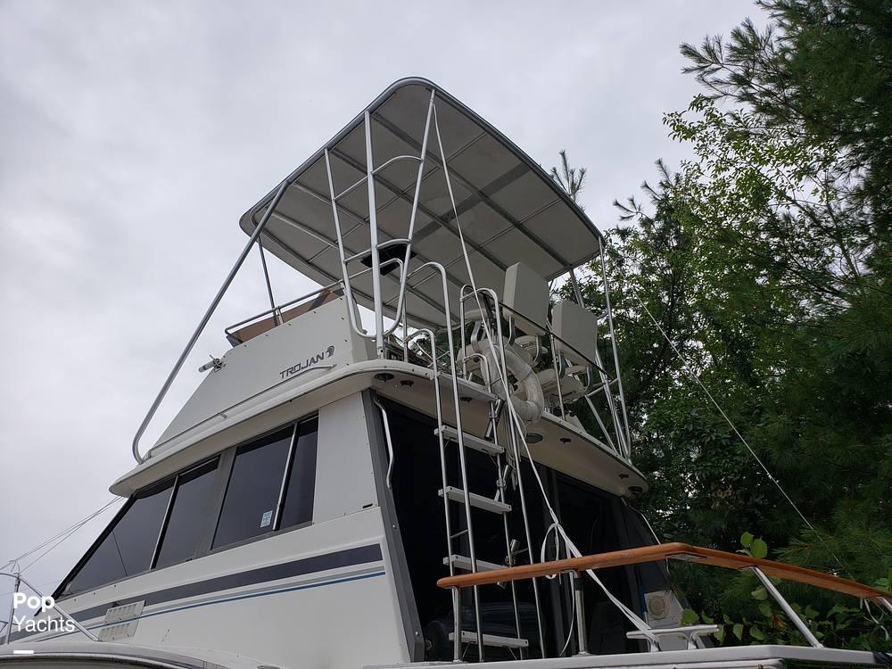1988 Trojan boat for sale, model of the boat is 32 Sedan Flybridge & Image # 27 of 40