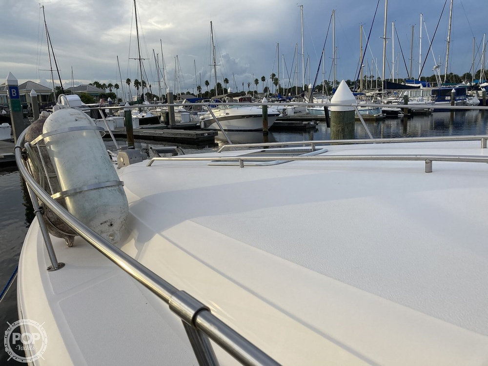 1994 Sea Ray boat for sale, model of the boat is 330 Sundancer & Image # 11 of 40