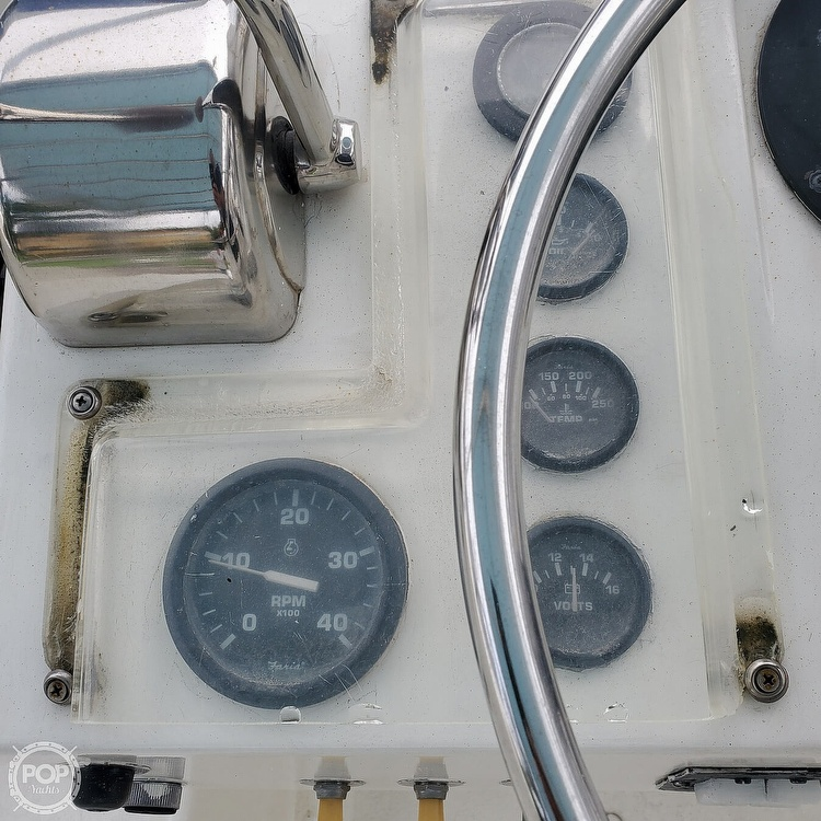 1972 Hatteras boat for sale, model of the boat is 360 Convertible & Image # 32 of 40