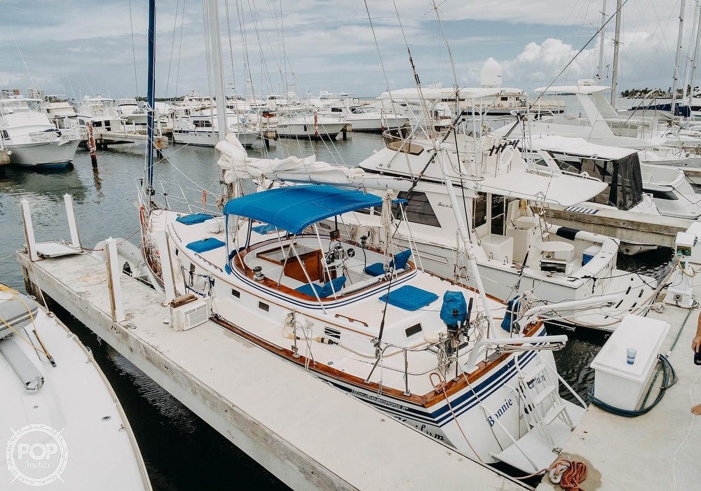 1985 Endeavour boat for sale, model of the boat is 40 & Image # 15 of 17