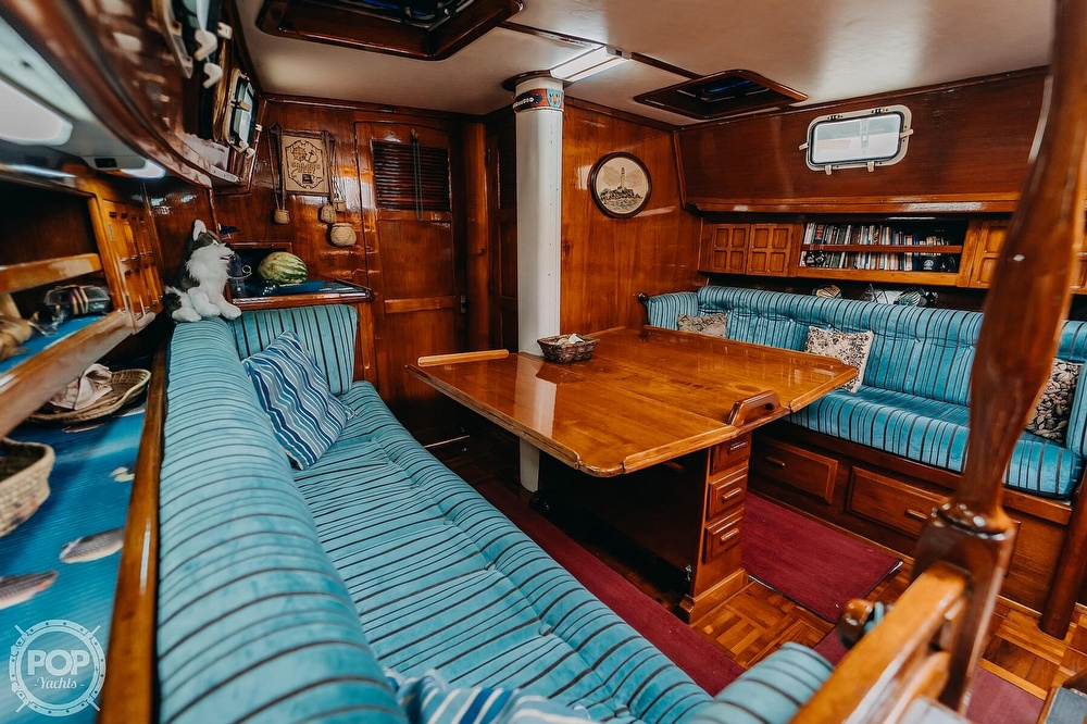 1985 Endeavour boat for sale, model of the boat is 40 & Image # 3 of 17
