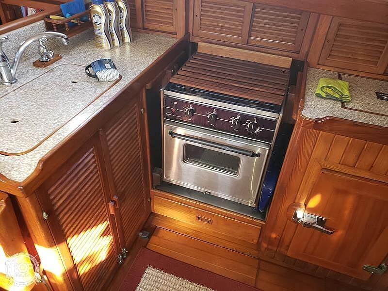 1981 Tayana boat for sale, model of the boat is Vancouver Bluewater 42 & Image # 8 of 17