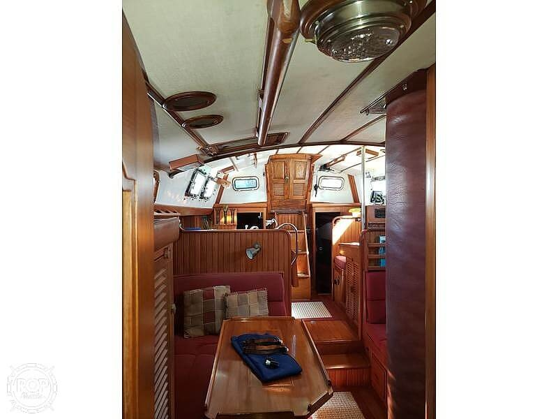 1981 Tayana boat for sale, model of the boat is Vancouver Bluewater 42 & Image # 10 of 17