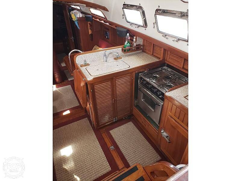 1981 Tayana boat for sale, model of the boat is Vancouver Bluewater 42 & Image # 7 of 17