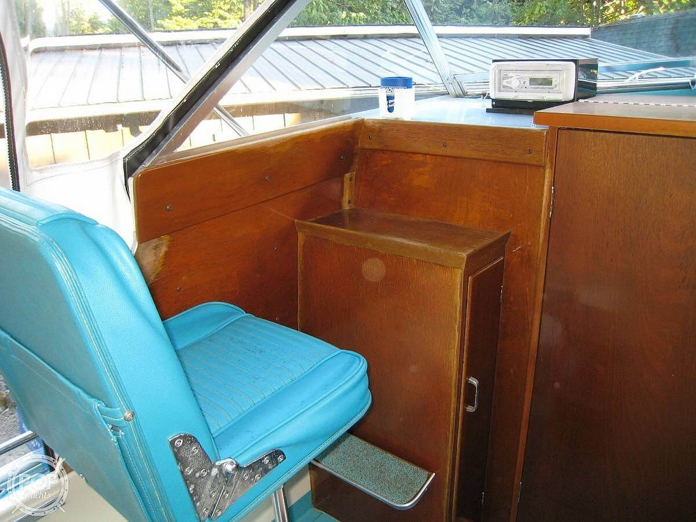 1967 Tollycraft boat for sale, model of the boat is Express & Image # 8 of 40