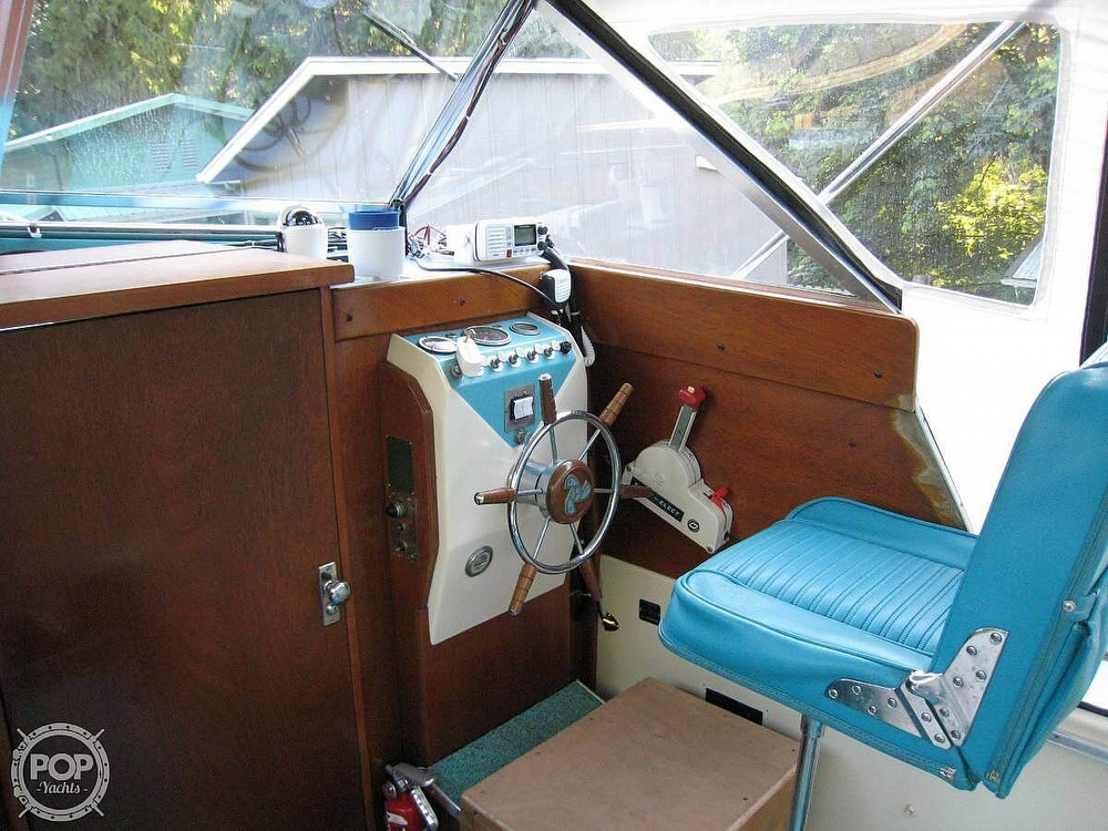 1967 Tollycraft boat for sale, model of the boat is Express & Image # 9 of 40