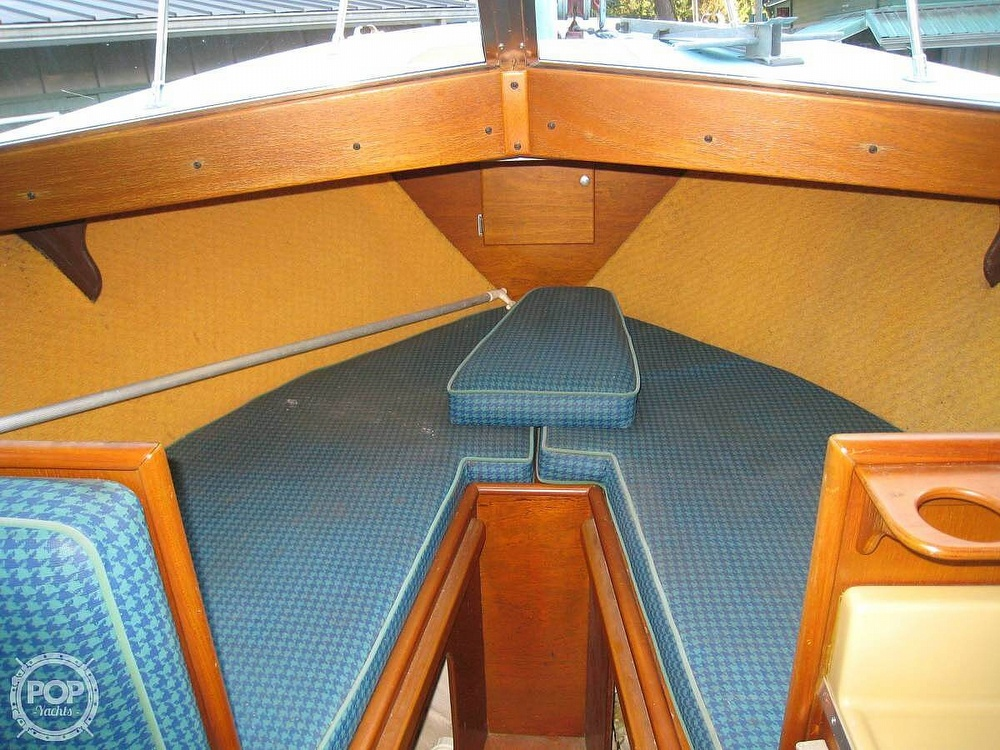 1967 Tollycraft boat for sale, model of the boat is Express & Image # 11 of 40