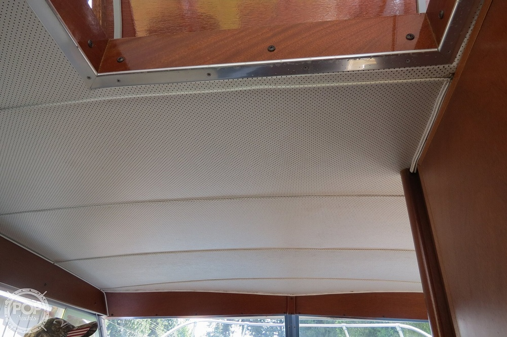 1967 Tollycraft boat for sale, model of the boat is Express & Image # 18 of 40