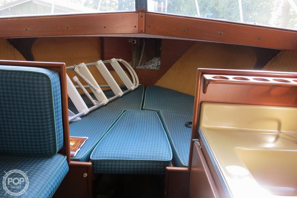 1967 Tollycraft boat for sale, model of the boat is Express & Image # 12 of 40