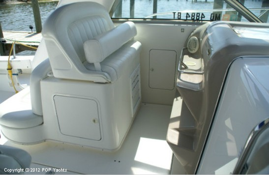 1997 Sea Ray 370 Express Cruiser - Photo #13