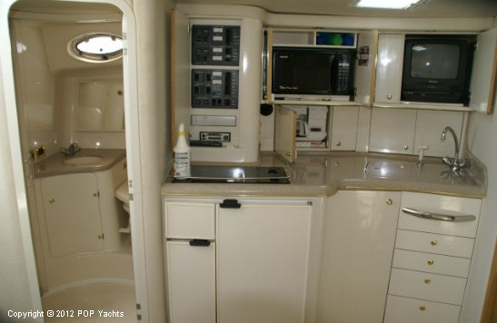 1997 Sea Ray 370 Express Cruiser - Photo #15