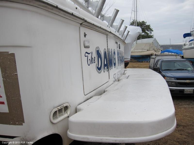 1997 Sea Ray 370 Express Cruiser - Photo #22