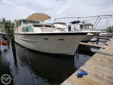 Hatteras 44 Tri - cabin, 44, for sale - $48,900