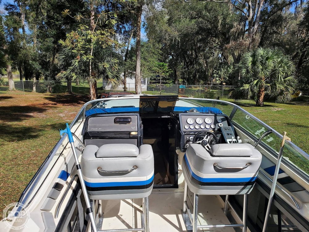 1986 Formula boat for sale, model of the boat is 272 SR-1 & Image # 3 of 40