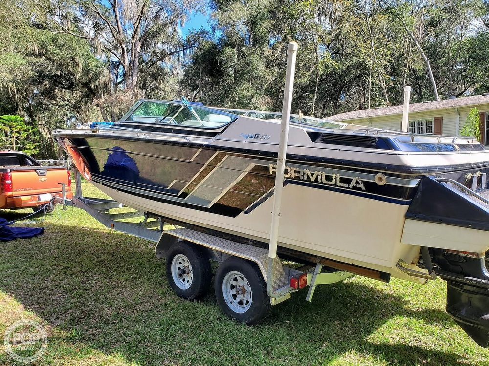 1986 Formula boat for sale, model of the boat is 272 SR-1 & Image # 2 of 40