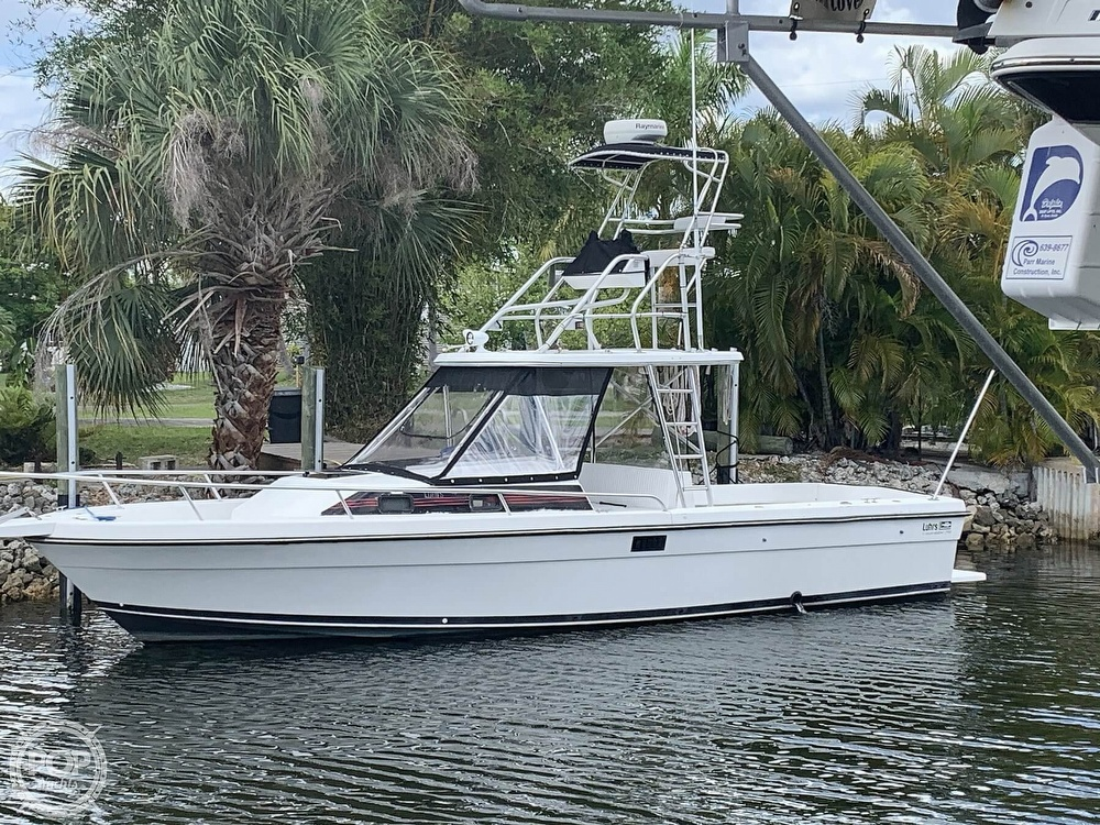 1990 Luhrs boat for sale, model of the boat is 290 Tournament & Image # 2 of 40