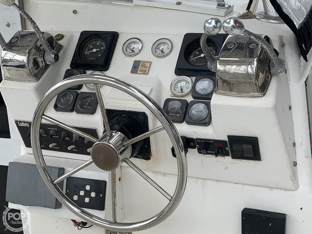 1990 Luhrs boat for sale, model of the boat is 290 Tournament & Image # 9 of 40