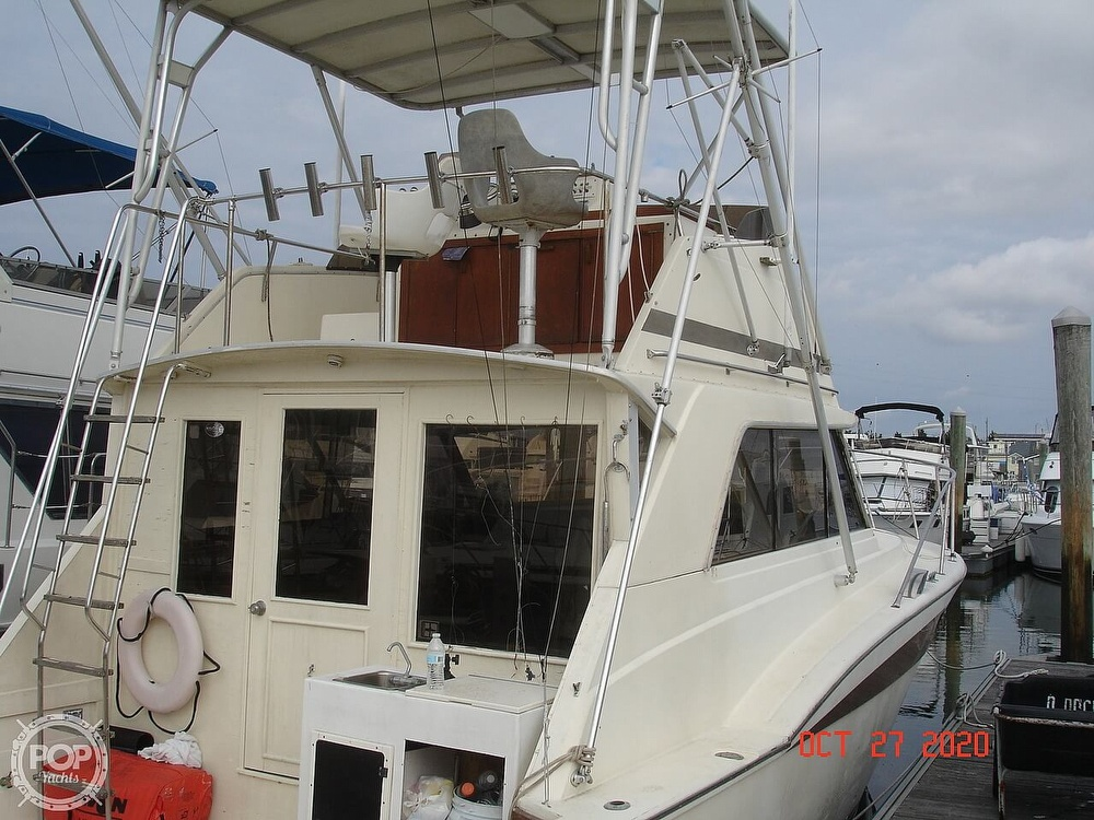 1980 Chris Craft boat for sale, model of the boat is 36 Commander & Image # 2 of 40
