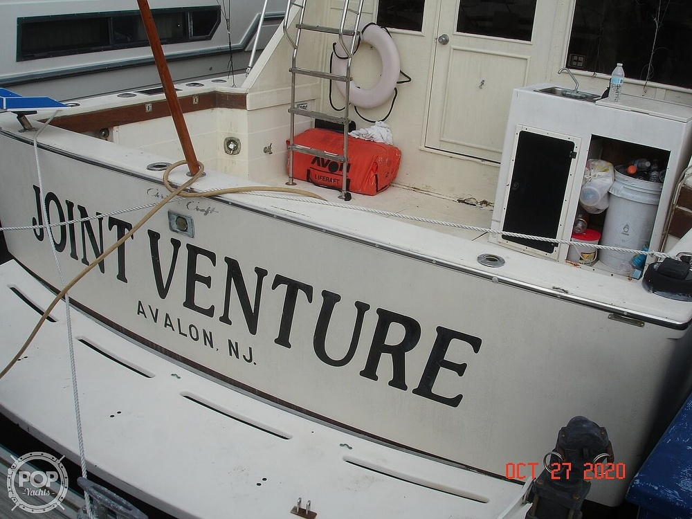 1980 Chris Craft boat for sale, model of the boat is 36 Commander & Image # 4 of 40