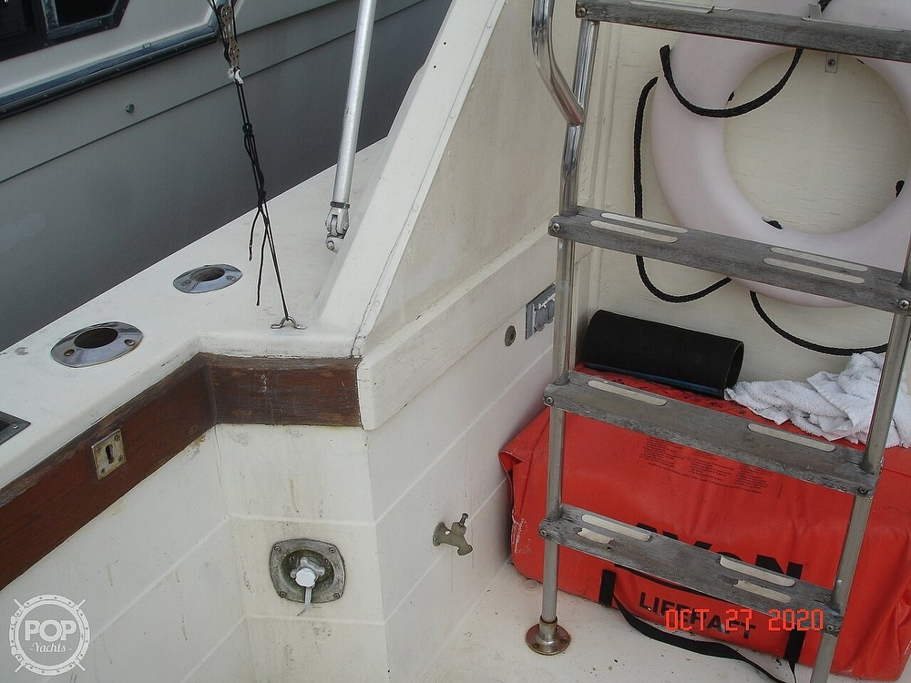 1980 Chris Craft boat for sale, model of the boat is 36 Commander & Image # 17 of 40