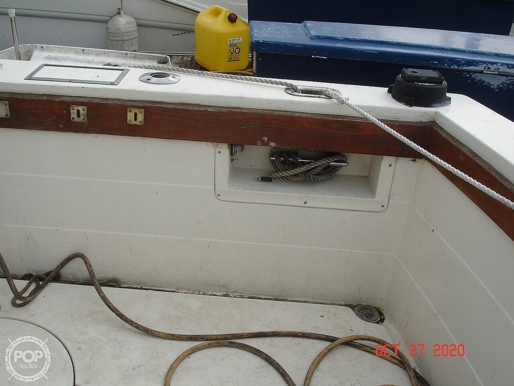 1980 Chris Craft boat for sale, model of the boat is 36 Commander & Image # 18 of 40