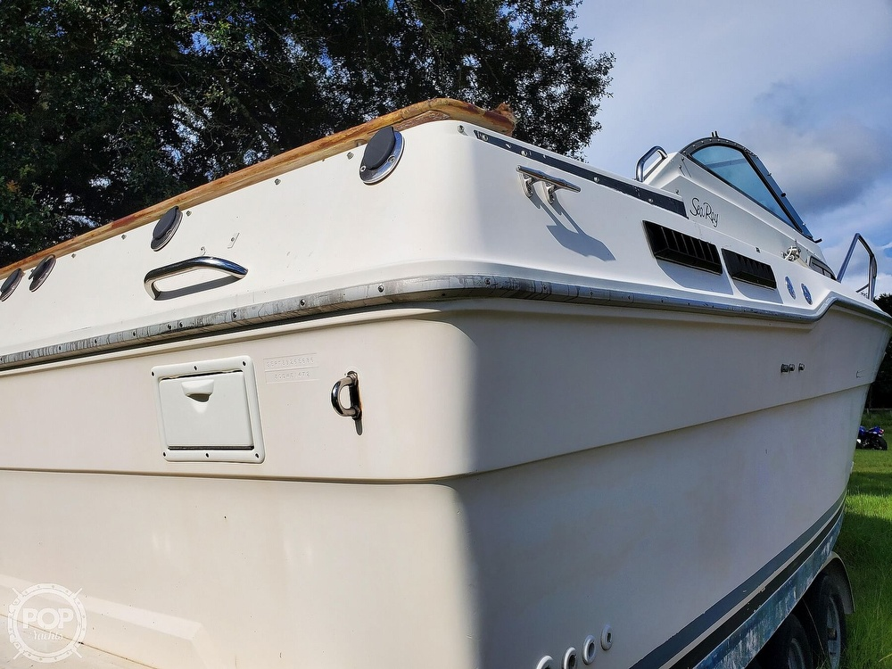 1986 Sea Ray boat for sale, model of the boat is 31 & Image # 5 of 40